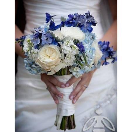 Bouquet de mariee bleu