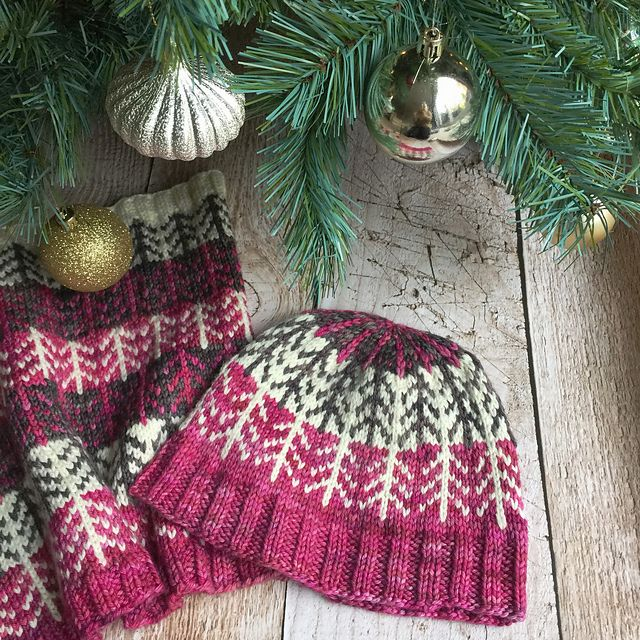 Boreal Forest Hat by Renée Callahan   malabrigo Rios in Natural, Nimbus Gray and English Rose