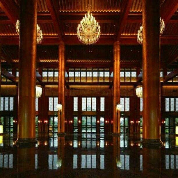 Haikou Eadry Royal Garden Hotel, em Hainan, China. Projeto de BLVD. #hotel #trip #viagem #arts #architecturelover #artes #art #arquitetura #architecture #arte #decor #decoração #design #interior #interiores #projetocompartilhar #shareproject #china #blvd