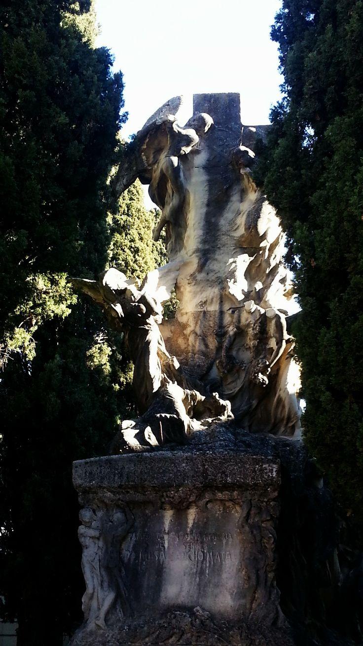 Panteón Guirao de Agustín Querol (1909) #Cementerio #Madrid #SanIsidro