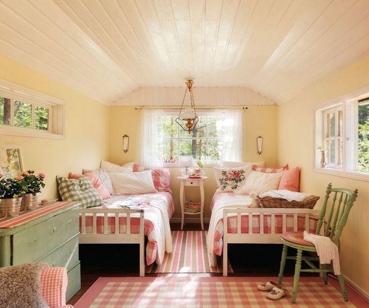 Casa din lemn cu interior amenajat in stil rustic scandinav