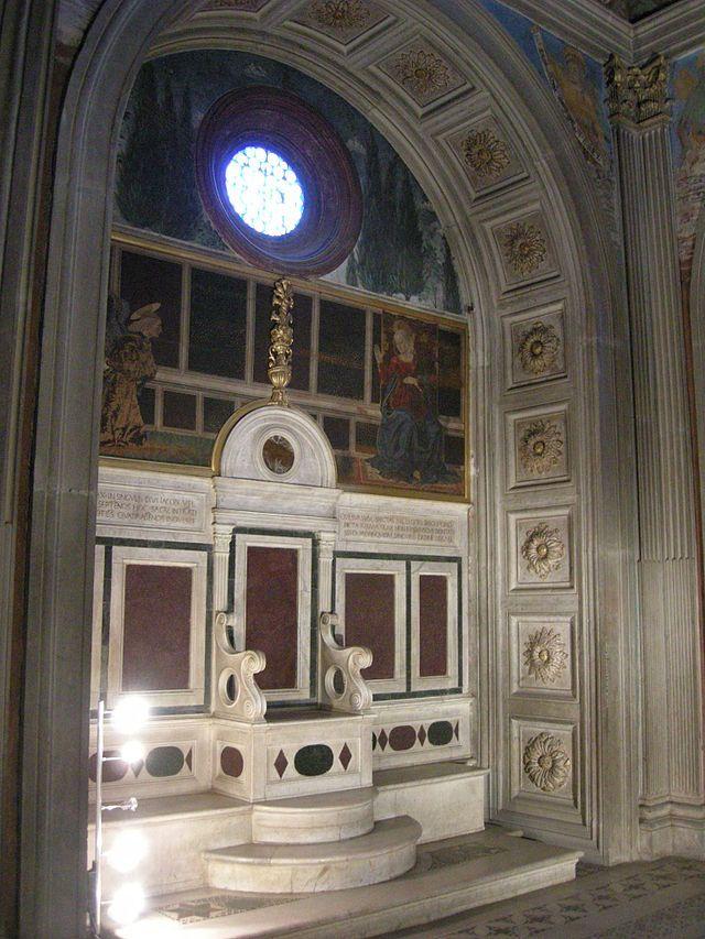 Cappella del Cardinale del Portogallo. Часовня кардинала Португалии кресло и фрески Алессо Baldovinetti.