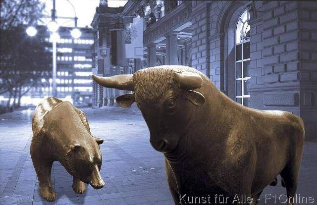 Börsenplatz mit Bulle und Bär, Hausse und Baisse