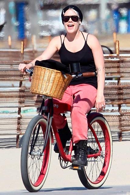 la cantante Pink en #bicicleta