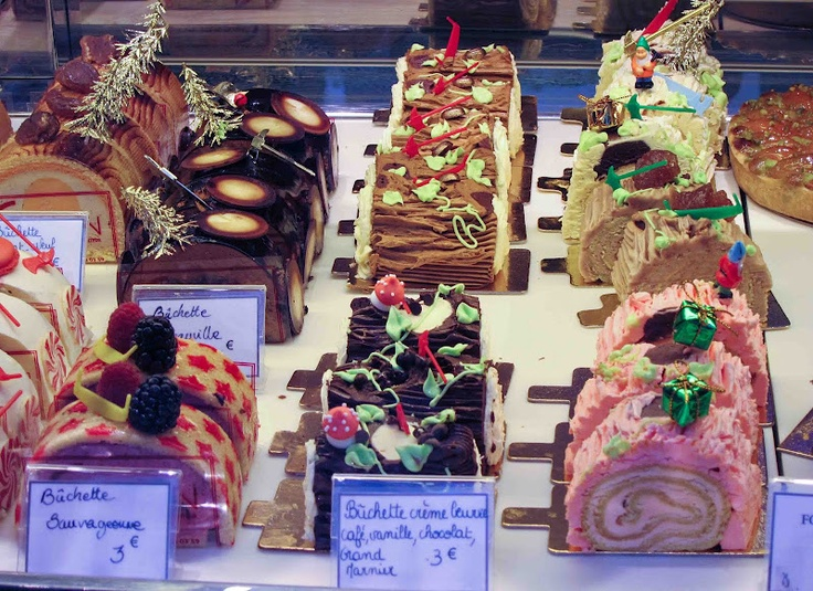 Buche de Noel display at a Paris patisserie
