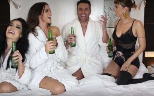 Bruna Marquezine revela que já mandou nudes e ficou com mulheres #Atriz, #Brincadeira, #BrunaMarquezine, #Cerveja, #Globo, #Instagram, #M, #Mulheres, #Neymar, #Noticias, #Programa, #Sexo, #Traição, #Tv, #TVGlobo, #Vídeo, #Youtube http://popzone.tv/2017/03/bruna-marquezine-revela-que-ja-mandou-nudes-e-ficou-com-mulheres.html