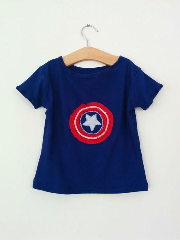 Mio nipote M. è un fan degli Avengers, ma il suo preferitoin assoluto è Capitan America. Non ho potuto fare a meno di realizzare questa maglietta per il suo terzo compleanno!