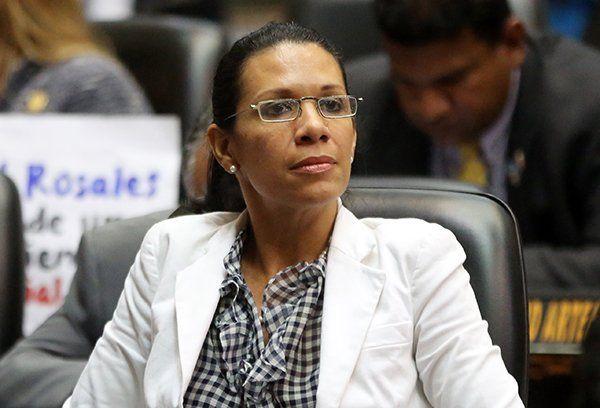 """@MariMagallanesC: Hoy estaré en el Programa """"Con P Mayúscula"""" por @TrvOficial - http://www.notiexpresscolor.com/2017/08/30/marimagallanesc-hoy-estare-en-el-programa-con-p-mayuscula-por-trvoficial/"""