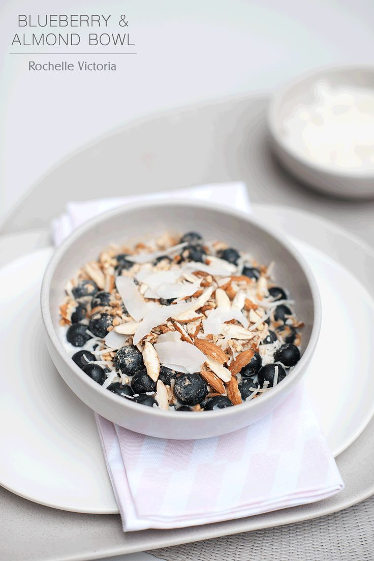 BREAKFAST RECIPE  |  Blueberry and Almond Bowl Gluten Free, Dairy Free, Refined Sugar Free recipe on the blog