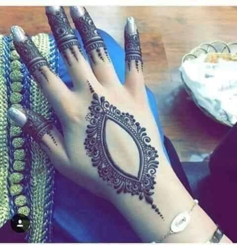 Hand mehendi design