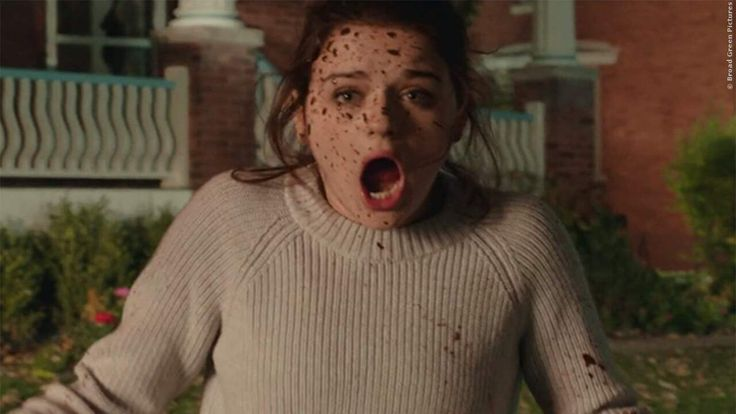 Der Regisseur von Annabelle und Wolves At The Door erfüllt in seinem neuen Film sieben Wünsche und bei jedem einzelnen muss jemand sterben! Geht gut ab in Wish Upon: Erster Trailer zum neuen Schocker ➠ https://www.film.tv/go/36401  #WishUpon #Horror #JoeyKing