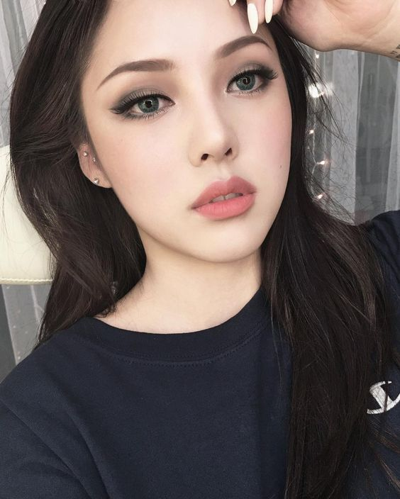 PONY - Makeup inspiration :: THEKLOG.CO :: K-beauty, skin care, makeup, fashion, lifestyle, trends, and more! http://theklog.co/