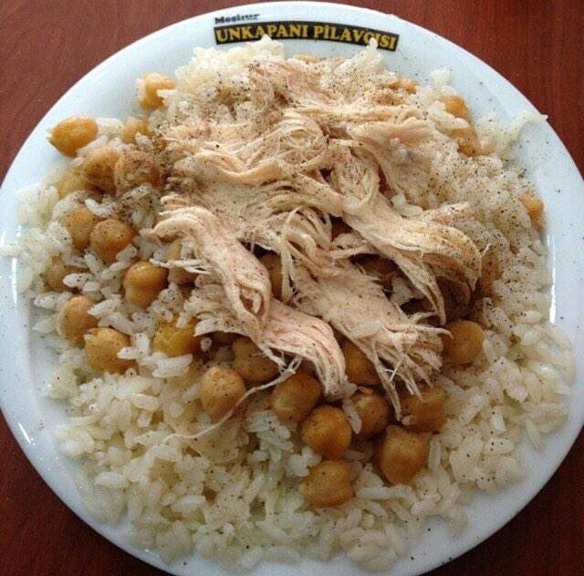 """Rice """"pilav"""" with """"nohut"""" (chick peas) and boiled chicken breast @ Unkapani Pilavcisi #Istanbul #Turkey"""