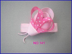 lady bug hair bow (no instructions)