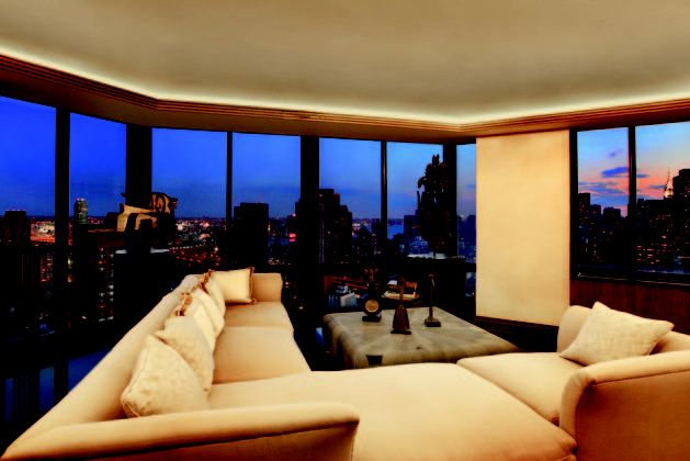 The smug owner of this penthouse can lap up views of Brooklyn Bridge and the Empire State Building. (Savills)