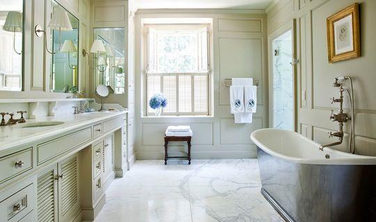 Bathroom tub feature.jpg?ixlib=rails 1.1