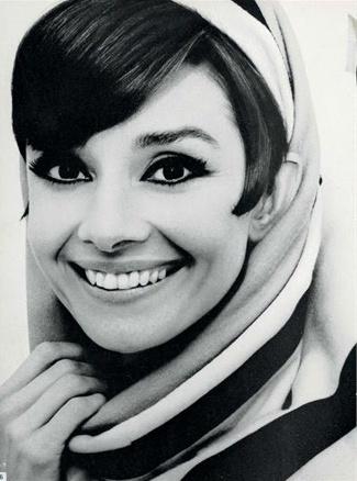 °audrey° Audrey Hepburn photographed by William Klein for Vogue, January 1966. rareaudreyhepburn.com od rareaudreyhepburn.com