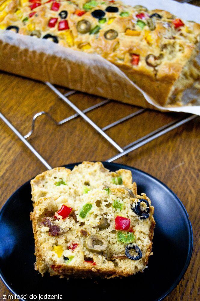 Przepis na pyszny keks wytrawny z warzywami - wersja włoska