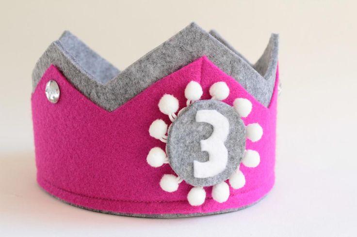 DIY: Geburtstagskrone aus Filz - Vorbereitungen für den dritten Geburtstag. Ella's dritter Geburtstag rückt immer näher und so habe ich am Wochenende...