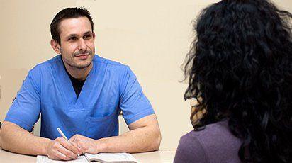 Д-р Стефан Стефанов е специалистът, извършил първото в света успешно ин витро на жена без шийка на матката и след поставена диагноза рак.