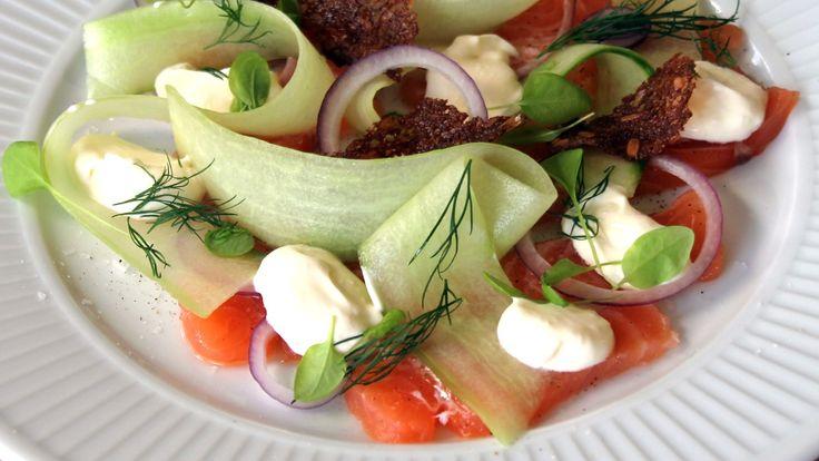 Salat av lett syltet laks
