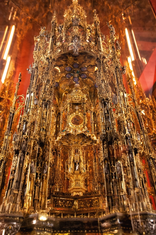 Cathedral, Le Gran Osterensoria de Toledo, Spain *
