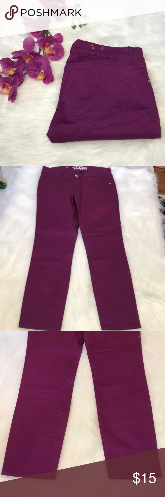 """NWOT OLD NAVY PURPLE ROCKSTAR JEANS SZ 12 NWOT OLD NAVY PURPLE ROCKSTAR JEANS SIZE 12. PERFECT CONDITION..,, INSEAM 29"""" WAIST 32"""" FABRIC IS STRETCHY Old Navy Jeans Skinny"""