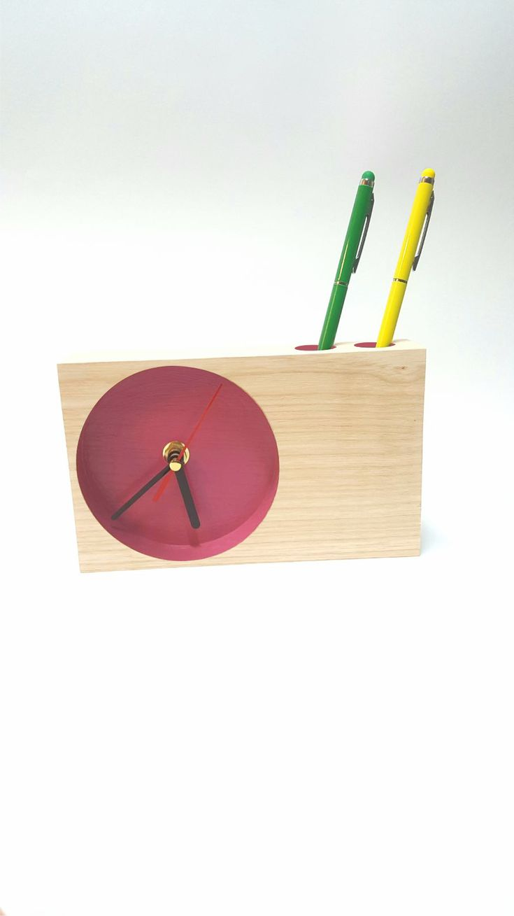 Solid wood clock - support for pens