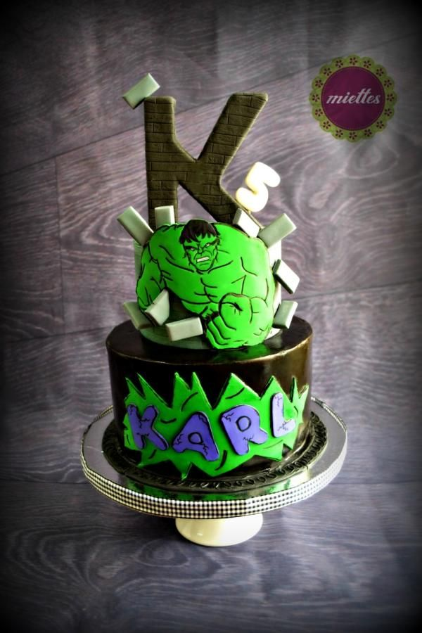 The Incredible Hulk - http://cakesdecor.com/cakes/233330-the-incredible-hulk