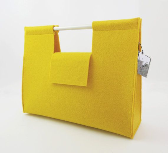 20 OFF  yellow FELT HANDBAG by anonimaMenteOUTLET on Etsy, €24.00