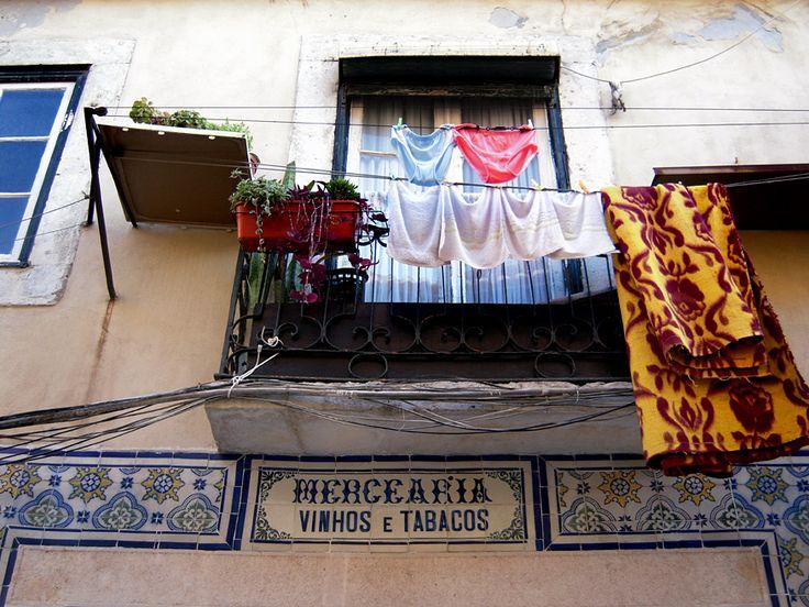 Roupa estendida :: Lisboa