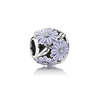 Underbar silverberlock med lavenderfärgade små blommor. Mått: 11mm 449 kr