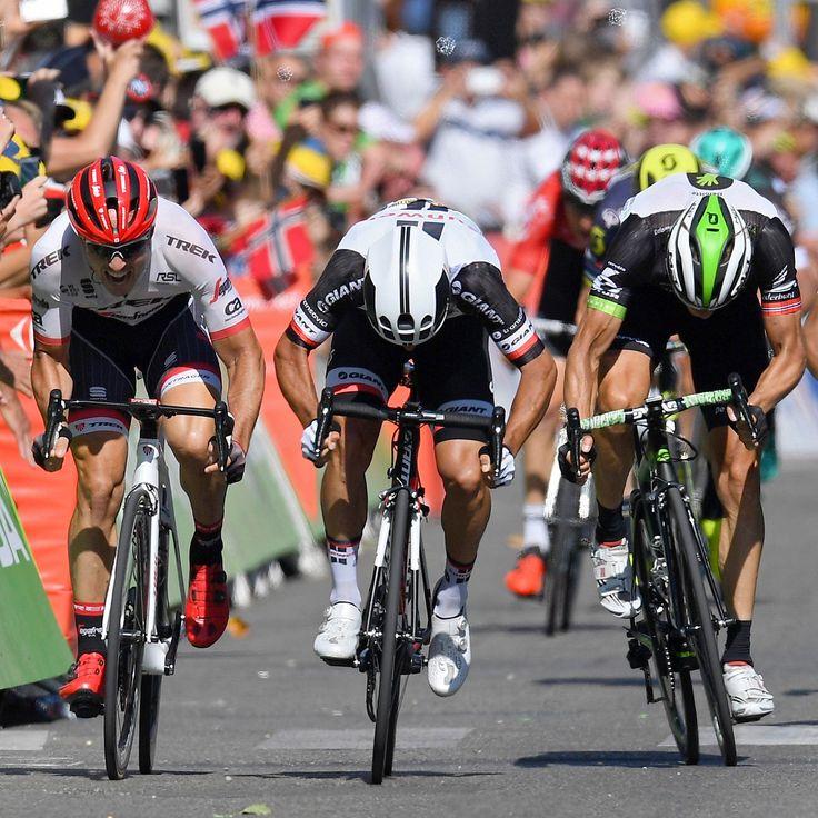 Michael Matthews wins stage 16 TDF2016
