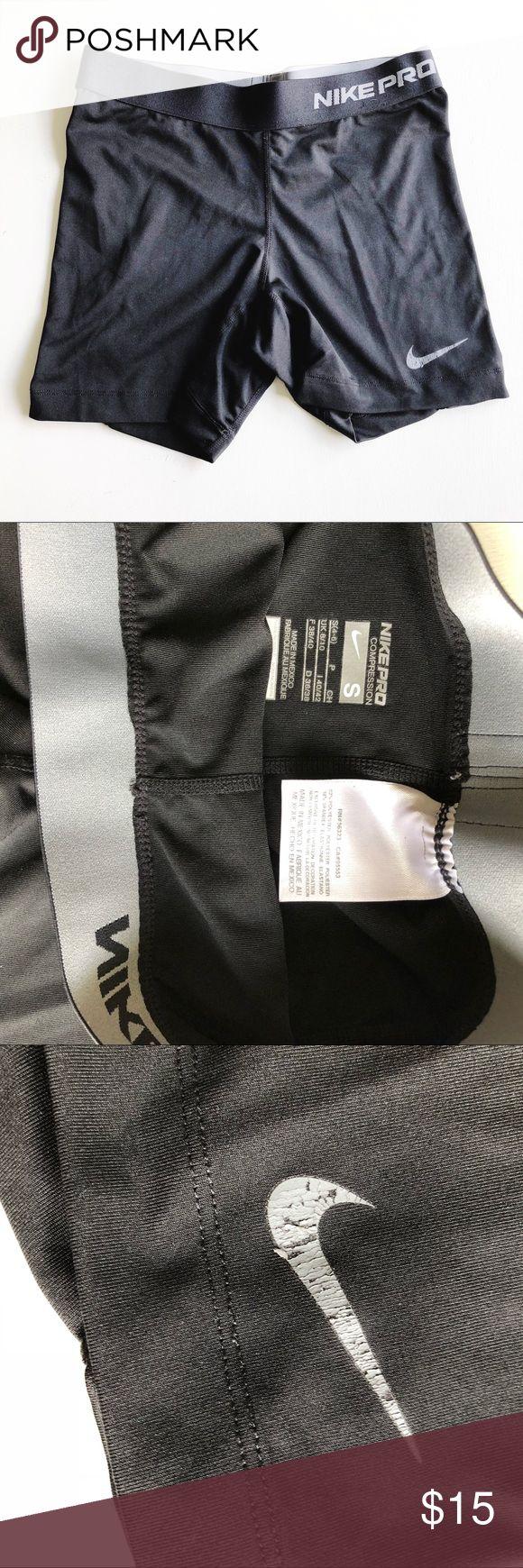 Women's Nike Compression Shorts Black Women's Nike Compression Shorts Black. Size small. Good condition. Nike sign has a little bit of peeling. Nike Shorts