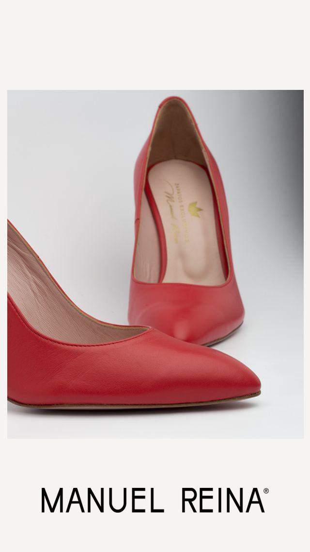 Rojos, porque es el color de la pasión, del valor y la energía... !!!!❤️💕#ZapatosdeVerdad #HechosAmano #MujerActual #SinPalabras #MisZapatosSonUnicos #ReinaArtesanos #ZapatosPersonalizados #SonParaTi #ManuelReina #Goya30 #Felizdomingo #PasionPorLaModa #SonParaMi #LosQuiero #Bailarinas #Francesitas #ZapatosCasual #LocaPorLosZapatos #elegant #tendencia #casualshoes #fashion #moda #elegante #tendencias #rojo #casual #musthave #zapatosmanuelreina