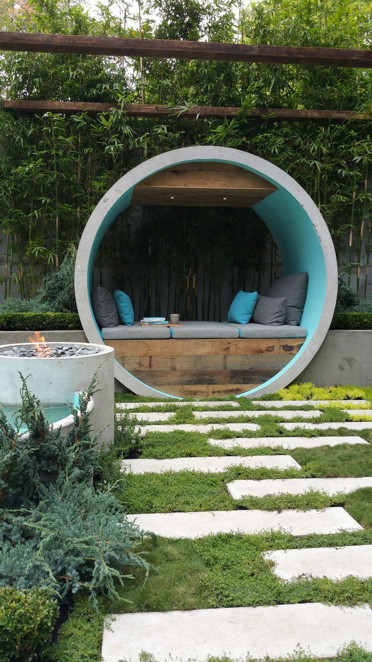 Concrete pipe used in a clever garden at MIFGS 2015.