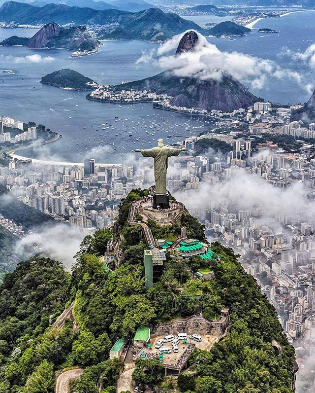Check out this incredible overview of Rio de Janeiro that we found on @planet.go. This shot shows Christ the Redeemer, a 635 metric ton statue that is located at the peak Corcovado mountain, overlooking the city. See more stunning shots on @planet.go, original capture by @ai.visuals