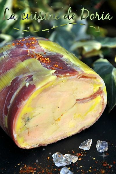 Après ma terrine de Foie gras d'inspiration du Languedoc, voici une version privilégiant les produits Basques... Ingrédients 600 gr de foie gras de canard cru 4 tranches de jambon de pays Basque assez fines et pas trop grasses 4 gr de sel 1 gr de piment...