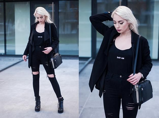 Black all the Way | Ripped Jeans | Street Style: 23 Ripped Jeans Outfit Ideas Every Fashionista Must Know