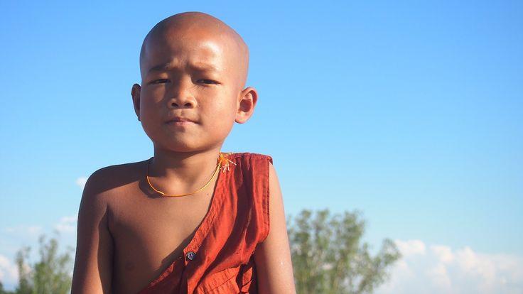 Young monk. / Fiatal szerzetes.