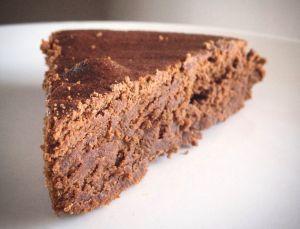 MESSAGE À LIRE AVANT TOUTE CHOSE: Je me dédouane de toute responsabilité si jamais vous développez une addiction à ce gâteau. Je pourrais simplement compatir ! Oui, ce moelleux est fou… Il est trè…