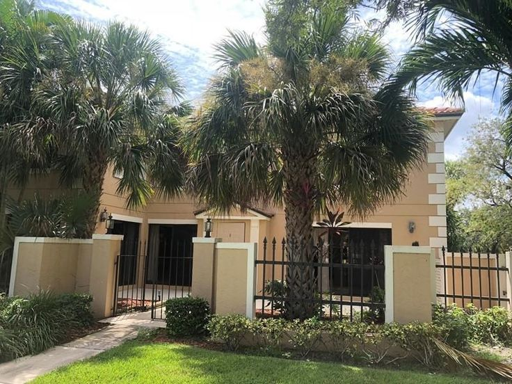 For Lease 2100/mo 3 Bedroom Townhouse in Prestwick/PGA