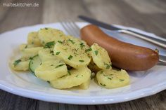 Kartoffelsalat nach Alfons Schuhbeck Rezept, zusammen mit einer knackigen Bockwurst. Deutsches Soulfood :D #kartoffelsalat #food