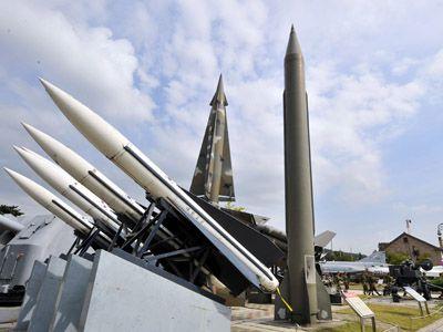 Razboiul secolului - Coreea de Nord pregăteşte un atac cu rachete împotriva SUA