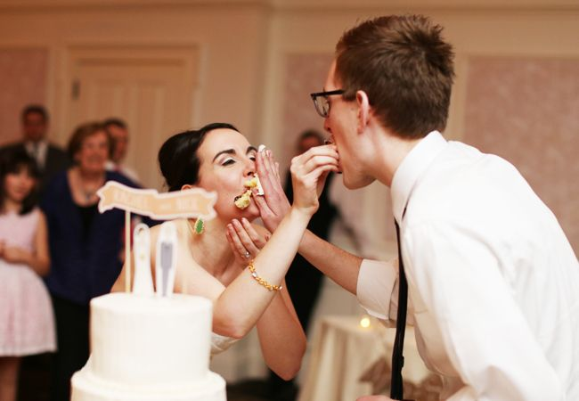 11 Ways Real Couples Cut The Cake