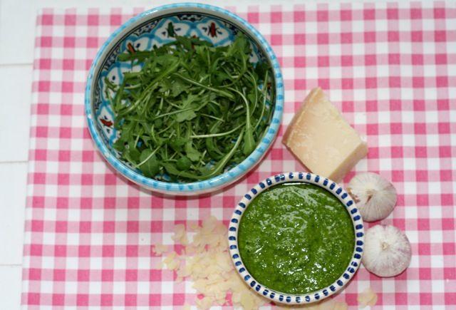 Verse rucolapesto met amandelen | Het lekkerste recept vind je op Alles Over Italiaans Eten