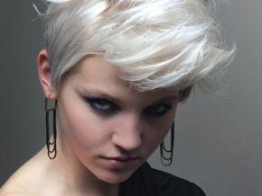 Kapsels, kleur & styling in de laatste trends van 2013: White Hair, Blondes Hairstyles, Shorts Hair, Silver Hair, Hair Style, Shorthair, Hair Color, White Blondes, Shorts Cut