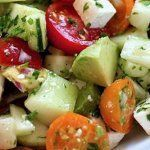Délicieuse salade pour dégonfler le ventre et perdre du poids Lire la suite :http://www.sport-nutrition2015.blogspot.com