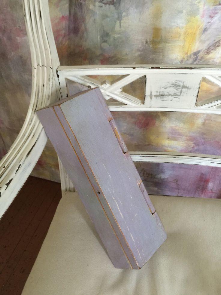 Únete  nuestras clases de pintura para muebles. Síguenos en Facebook by BERKANA Shop.