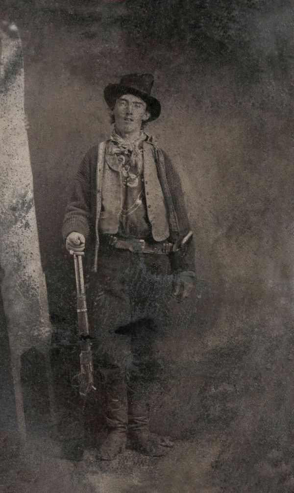 La inédita foto de Billy the Kid con su verdugo que intriga a Estados Unidos